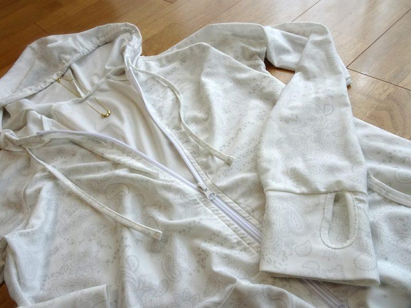 水遊びやプールで焼きたくない!洋服見えする水着素材のラッシュガード&トレンカで完全防備☆